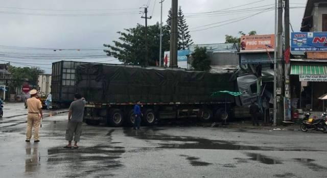 Va chạm giao thông, lái xe ô tô tải bỏ trốn khỏi hiện trường