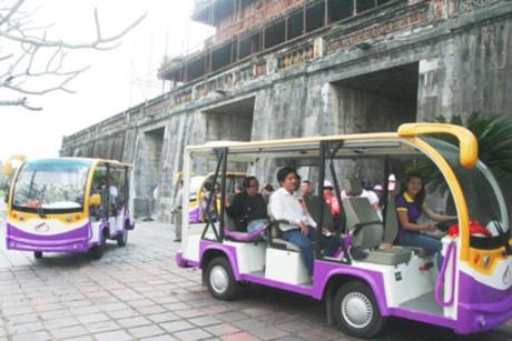Huế có thêm 27 tuyến xe điện phục vụ du khách