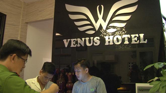 Đột kích khách sạn Venus ở TP.Huế, phát hiện 21 người phê ma túy 