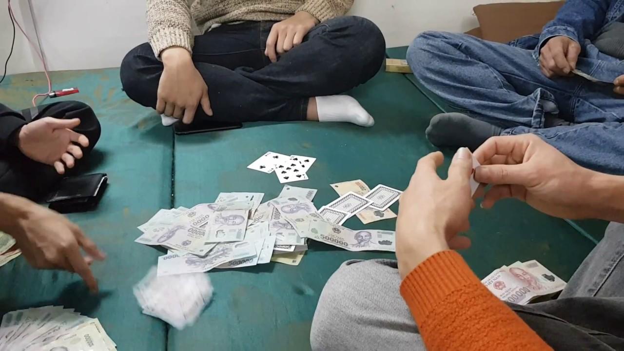 Vòi bạch tuộc của 'văn hóa' cờ bạc đang tàn phá xã hội Việt Nam như thế nào?