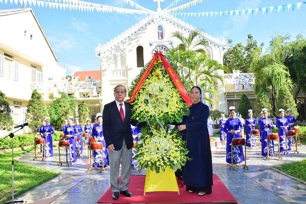 Chủ tịch UBND tỉnh Phan Ngọc Thọ dự lễ kỷ niệm 100 năm Hội Dòng Con Đức Mẹ Vô Nhiễm