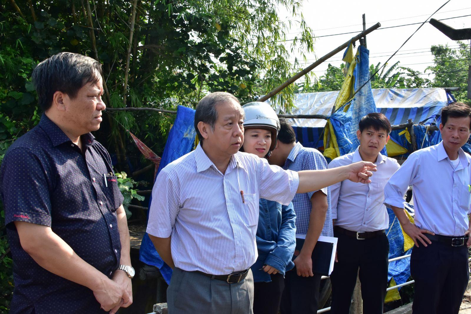 Chủ tịch UBND tỉnh Phan Ngọc Thọ kiểm tra đời sống người dân khu tái định cư Phú Mậu