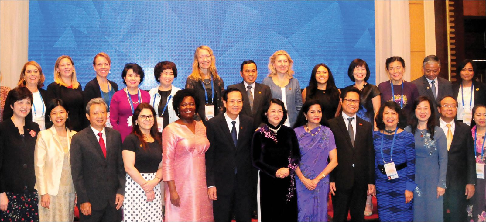 Đối thoại công – tư về Phụ nữ và Kinh tế (PPDWE):  Tăng cường quyền kinh doanh kinh tế cho phụ nữ