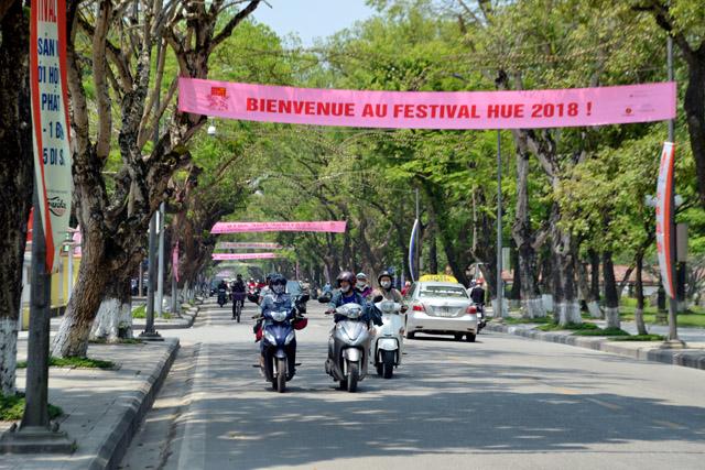 Thừa Thiên - Huế thu hút gần 2 triệu lượt khách trong 4 tháng đầu năm