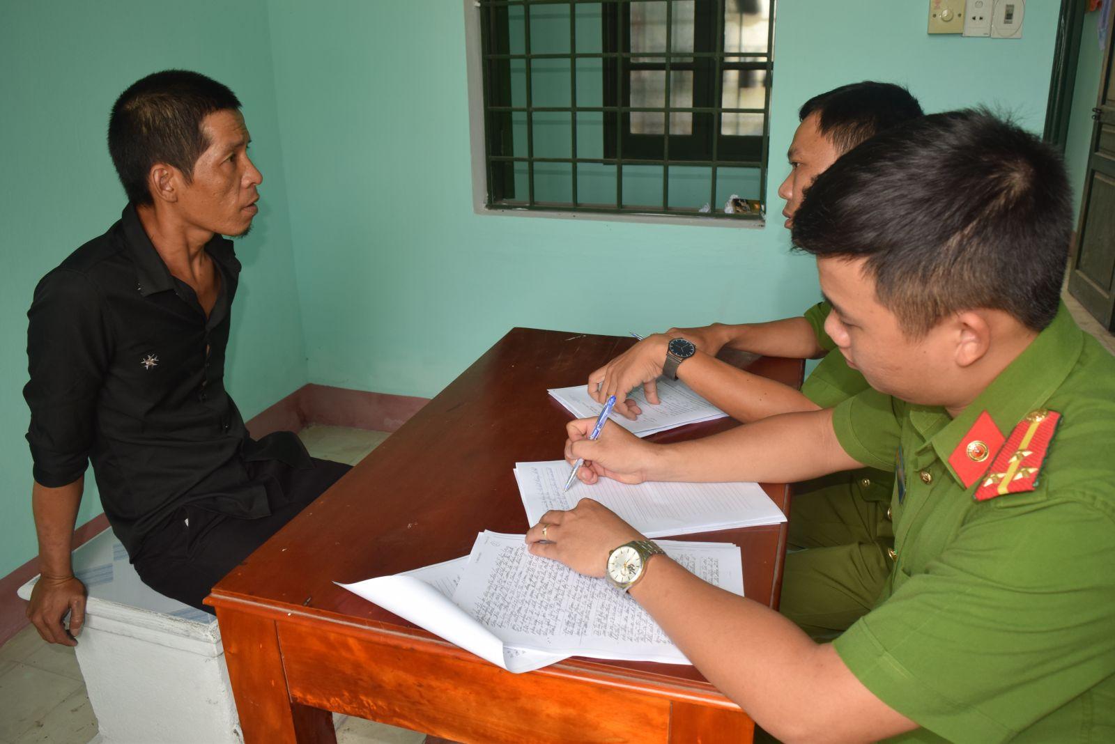 Di lý đối tượng gây ra 7 vụ trộm cướp tài sản từ Đồng Nai ra TP. Huế