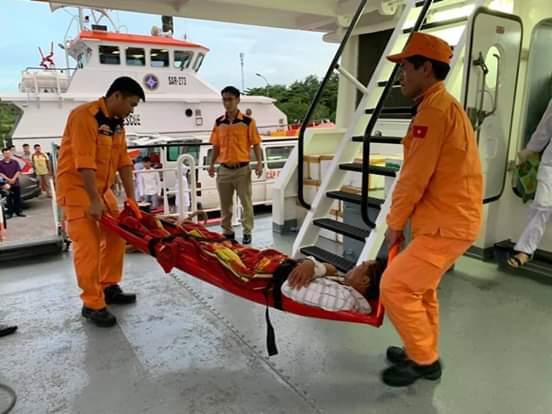 Hai ngư dân bị nạn được cứu hộ kịp thời