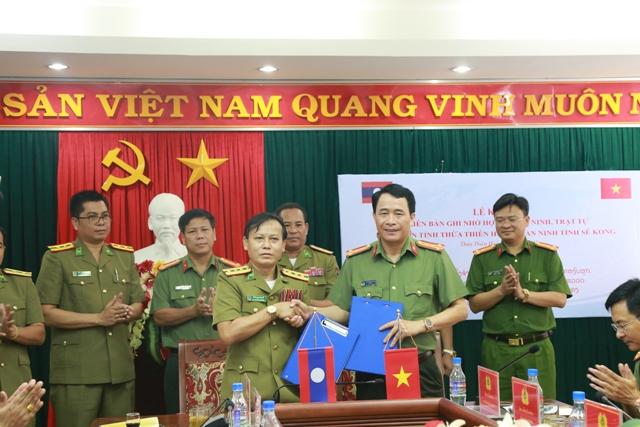 Ký kết biên bản ghi nhớ hợp tác về an ninh trật tự giữa Công an tỉnh và Sê Kong (Lào)