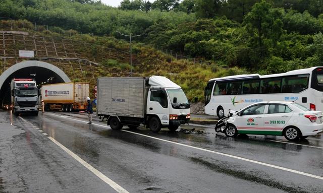 Tai nạn giao thông nghiêm trọng, 3 người bị thương