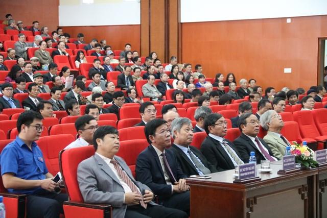 Đại học Huế gặp mặt, chúc tết các nhà giáo và báo chí