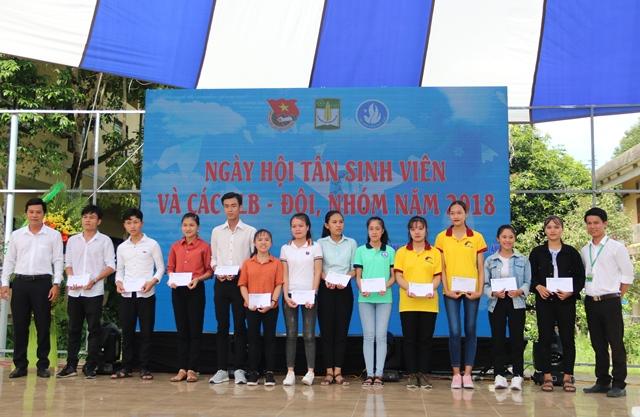 Nhiều hoạt động tại ngày hội tân sinh viên Trường ĐH Nông lâm Huế