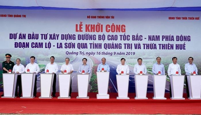 Thủ tướng Nguyễn Xuân Phúc dự lễ khởi công cao tốc Cam Lộ-La Sơn
