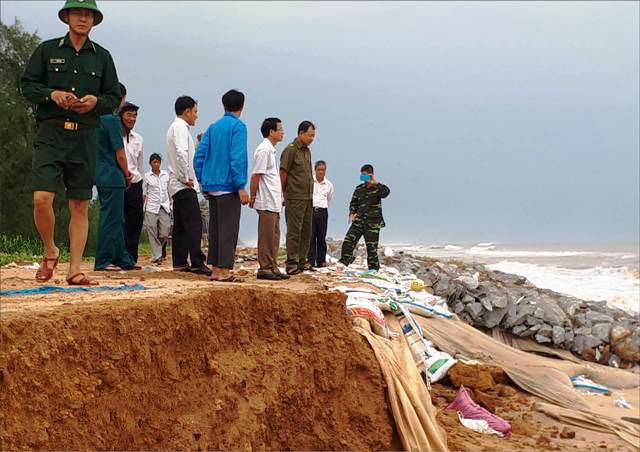 Vinh Hải: Xâm thực biển đe dọa gần 700 hộ dân