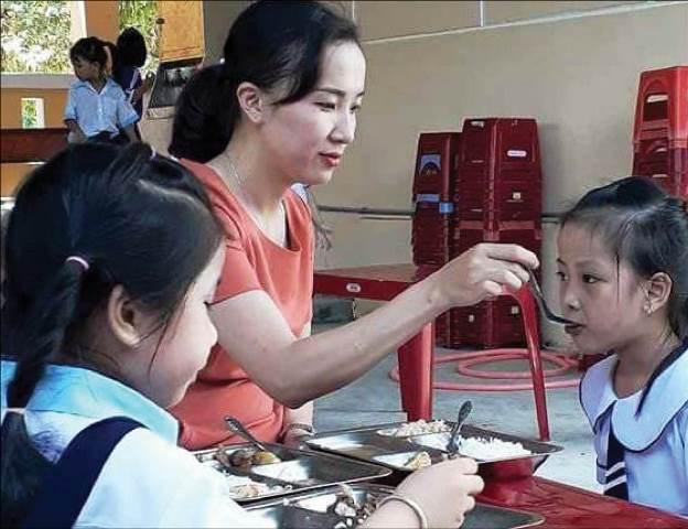 Bán trú 100% cho học sinh tiểu học: Vẫn khó