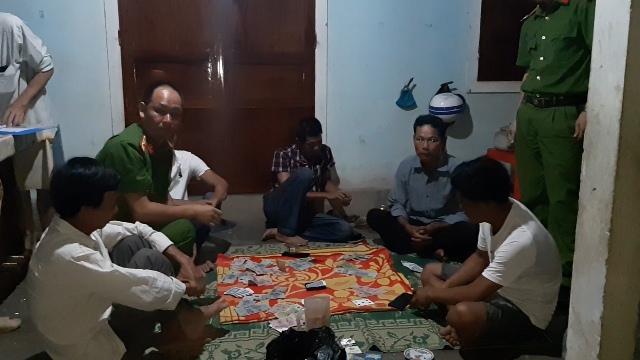Huế: Liên tiếp triệt xoá 3 điểm đánh bạc ở phường Thủy Xuân