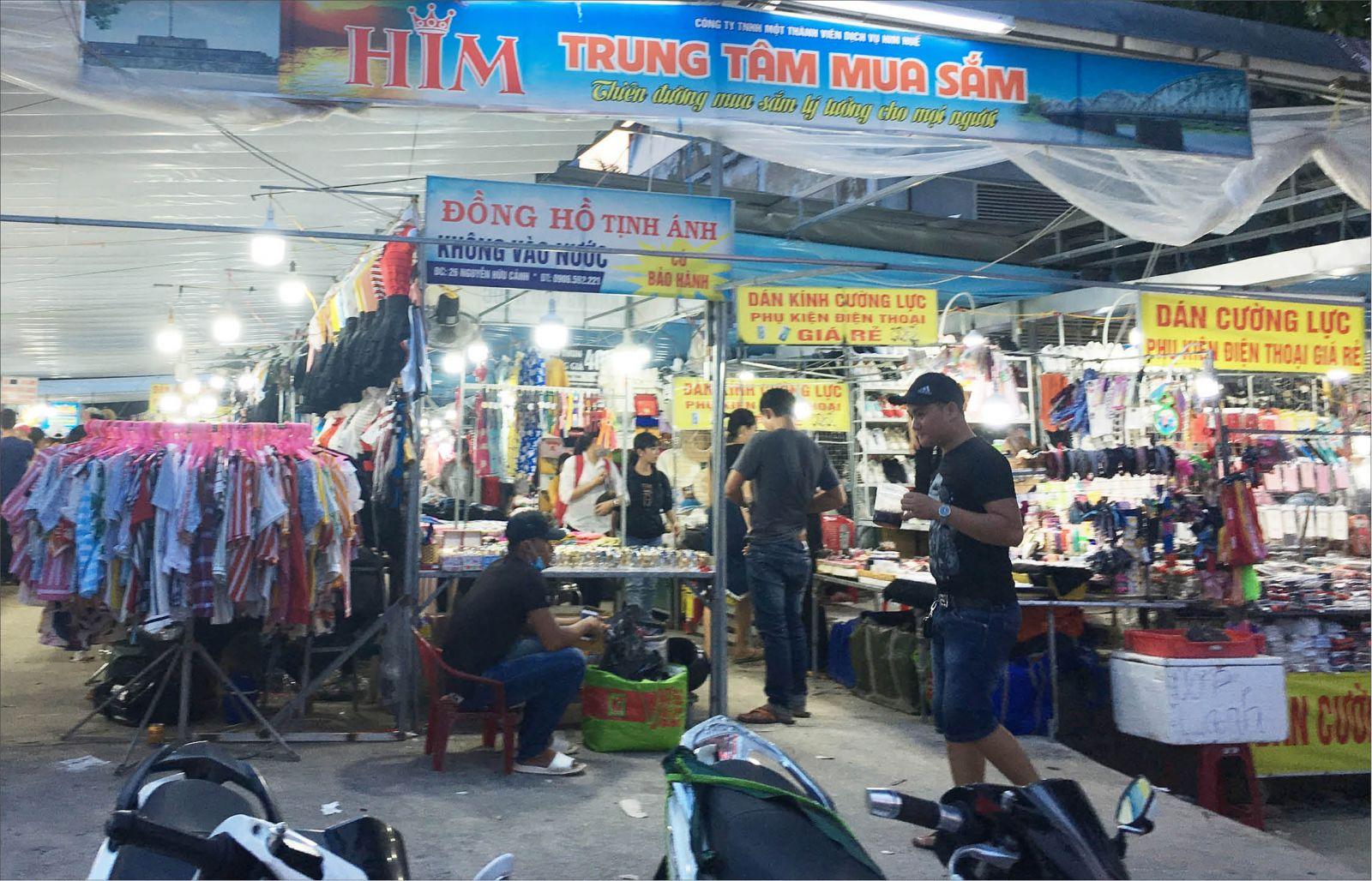 Chợ đêm ở Huế: Nơi đạt chuẩn vắng vẻ, chỗ tự phát nhộn nhịp