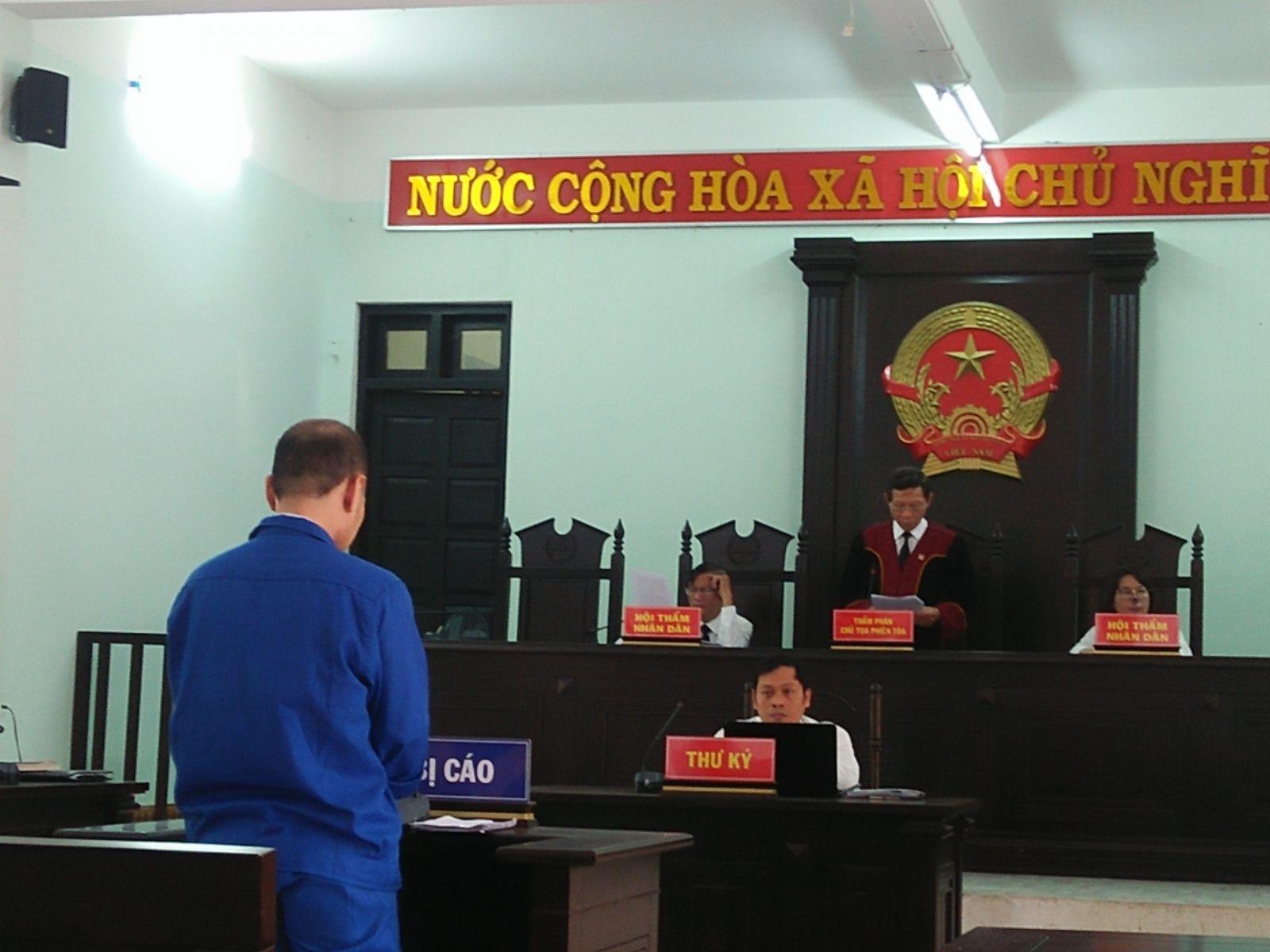 Phạt một người gốc Việt mang quốc tịch Hoa Kỳ 1 năm 6 tháng tù