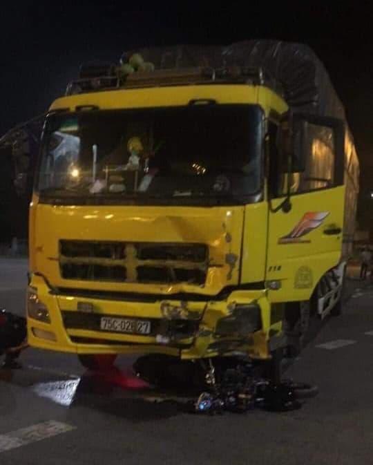 Va chạm kinh hoàng giữa xe máy và xe tải, 2 người tử vong tại chỗ