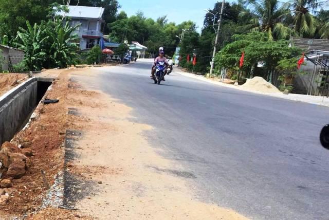 Thiếu vạch kẻ đường gây mất an toàn giao thông