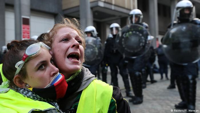 """Bạo loạn ở Paris - sự thật về cái gọi là """"xứ thiên đường"""" của những nhà dân chủ."""
