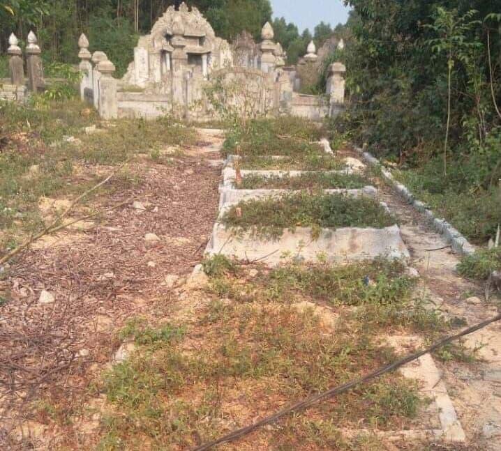 Câu chuyên bi hài ở Huế: Xây hàng chục ngôi mộ giả để nhận tiền đền bù từ dự án