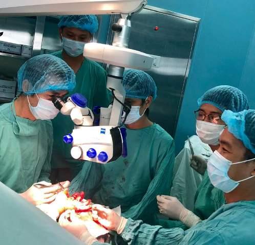 BV Trung ương Huế, Cơ sở 2 Phẫu thuật thành công nối lại bàn tay bị đứt lìa cho bệnh nhân