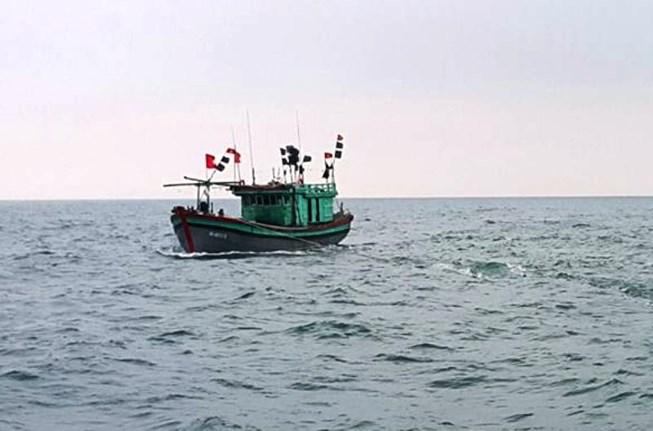 Một thanh niên rơi xuống biển mất tích khi đang đánh cá