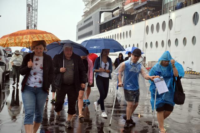 Đón những du khách đầu tiên đến Huế bằng đường hàng hải