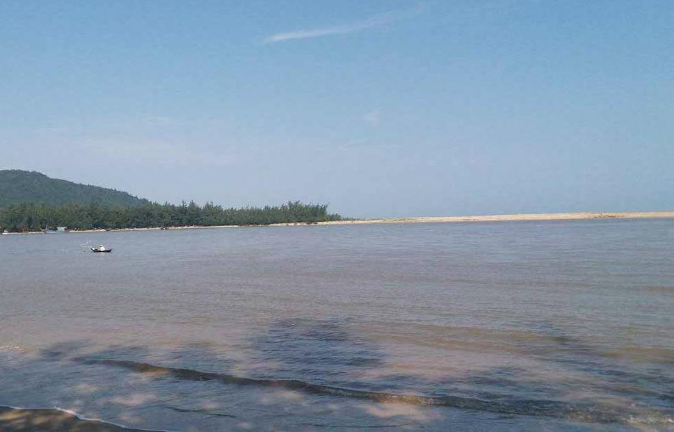 Thừa Thiên Huế: Cửa biển bị bồi lấp nặng, ngư dân lo lắng