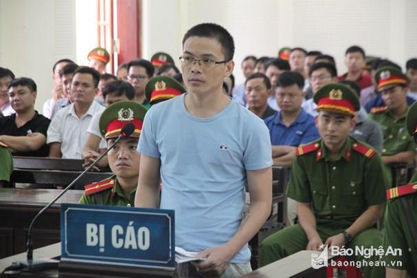 Xử phúc thẩm Nguyễn Viết Dũng (Dũng Phi Hổ): Giảm 1 năm tù giam so với phiên sơ thẩm