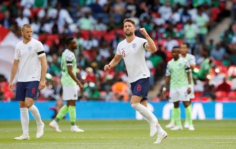 Áo đấu ĐT Anh tại World Cup bóc lột người lao động