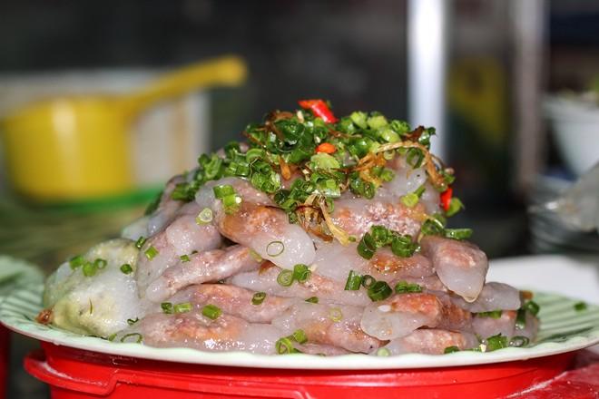 Các món ăn vặt tuyệt ngon ở chợ Đông Ba