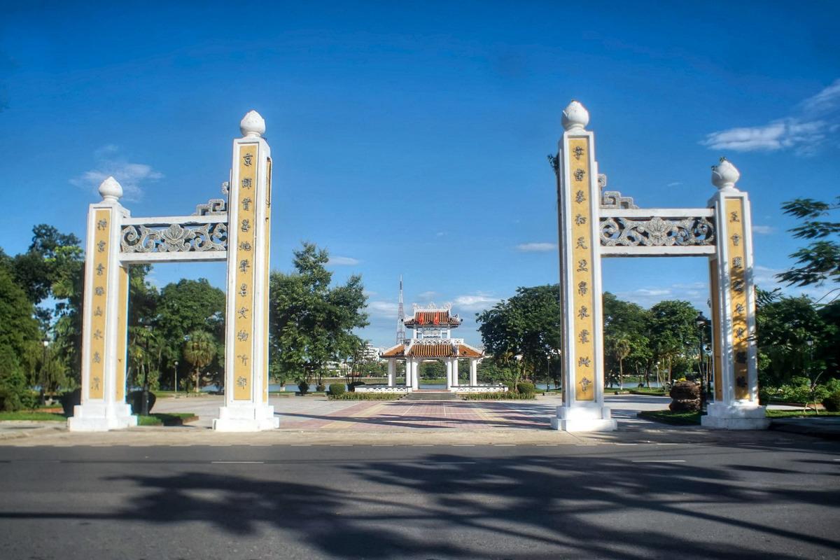 Đình Thương Bạc – chứng tích cho giai đoạn suy tàn của nhà Nguyễn