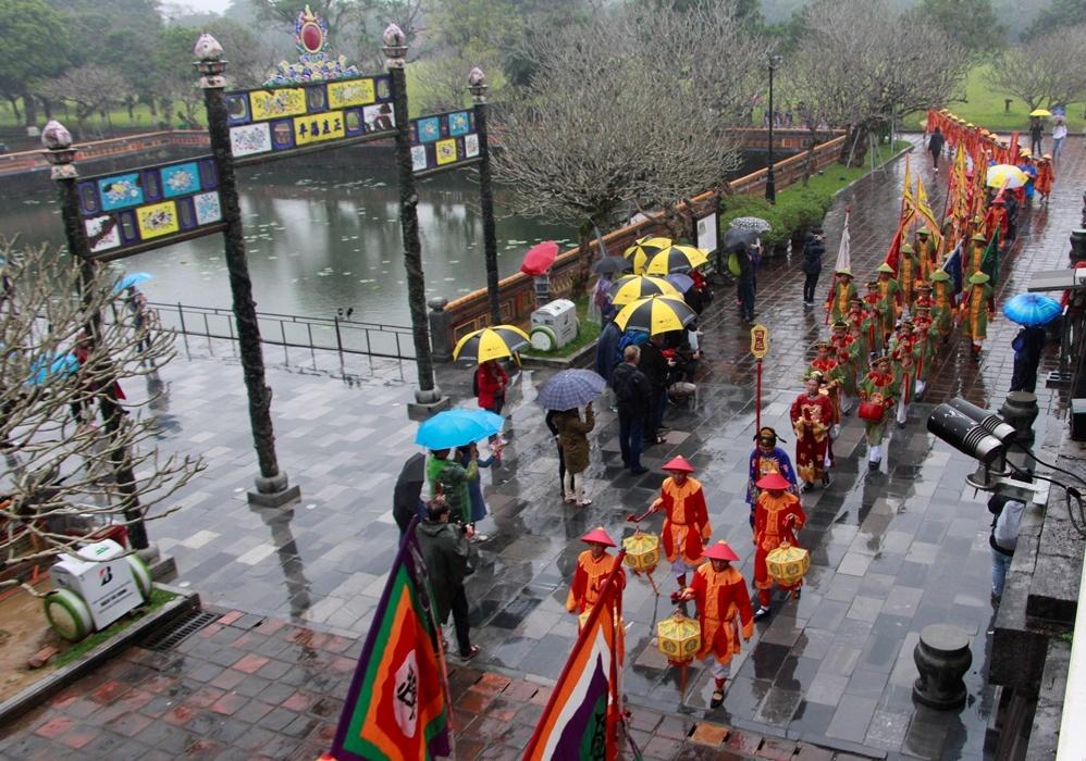 Huế tái hiện lễ dựng nêu trong hoàng cung triều Nguyễn