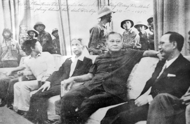 Khoảnh khắc lịch sử trong ngày giải phóng Sài Gòn 1975