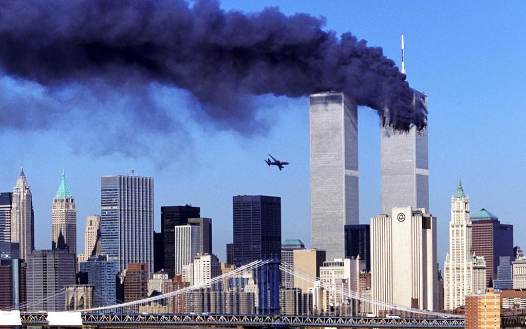 Hình ảnh kinh hoàng về vụ khủng bố 11/9 làm 3.000 người chết