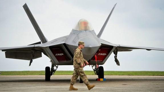 F-22 Raptor – Con bài đối phó S-300 của Mỹ tại Syria?