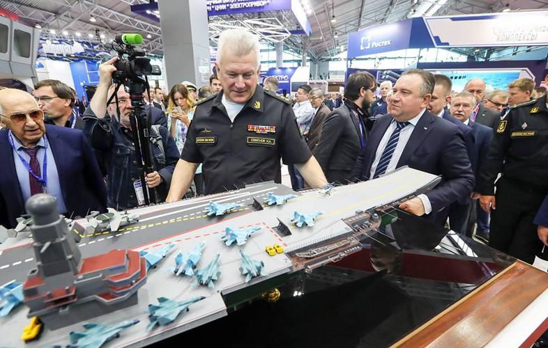 Khám phá sức mạnh siêu tàu sân bay 9 vạn tấn của Nga