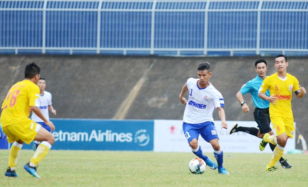 Chủ nhà thua đậm tại trận khai màn VCK U.21 Báo Thanh Niên