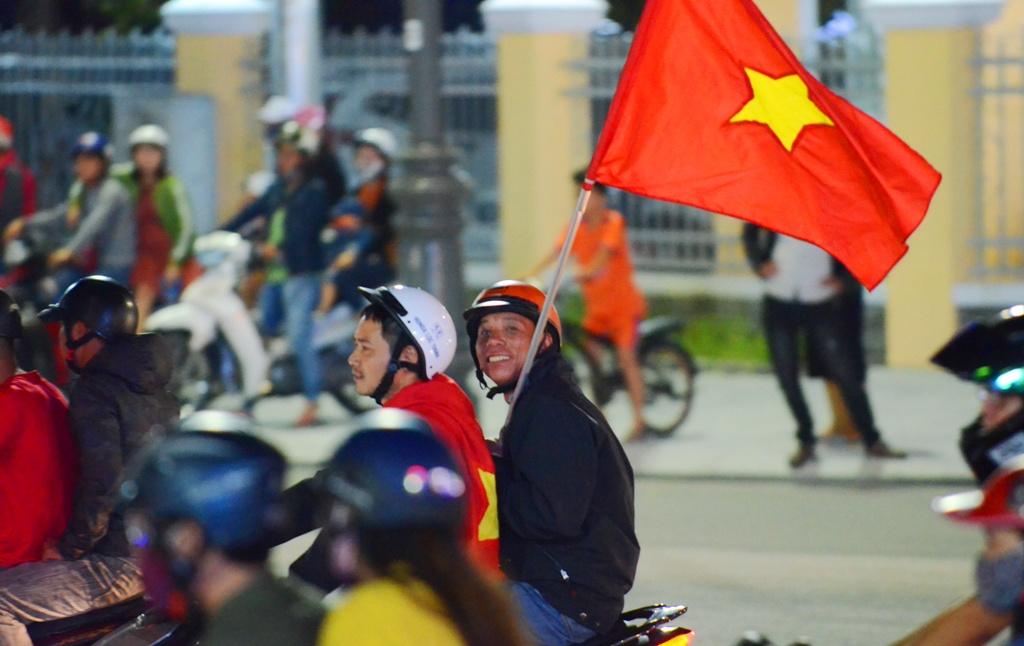 Người Huế ăn mừng nhẹ nhàng sau chiến thắng của tuyển Việt Nam