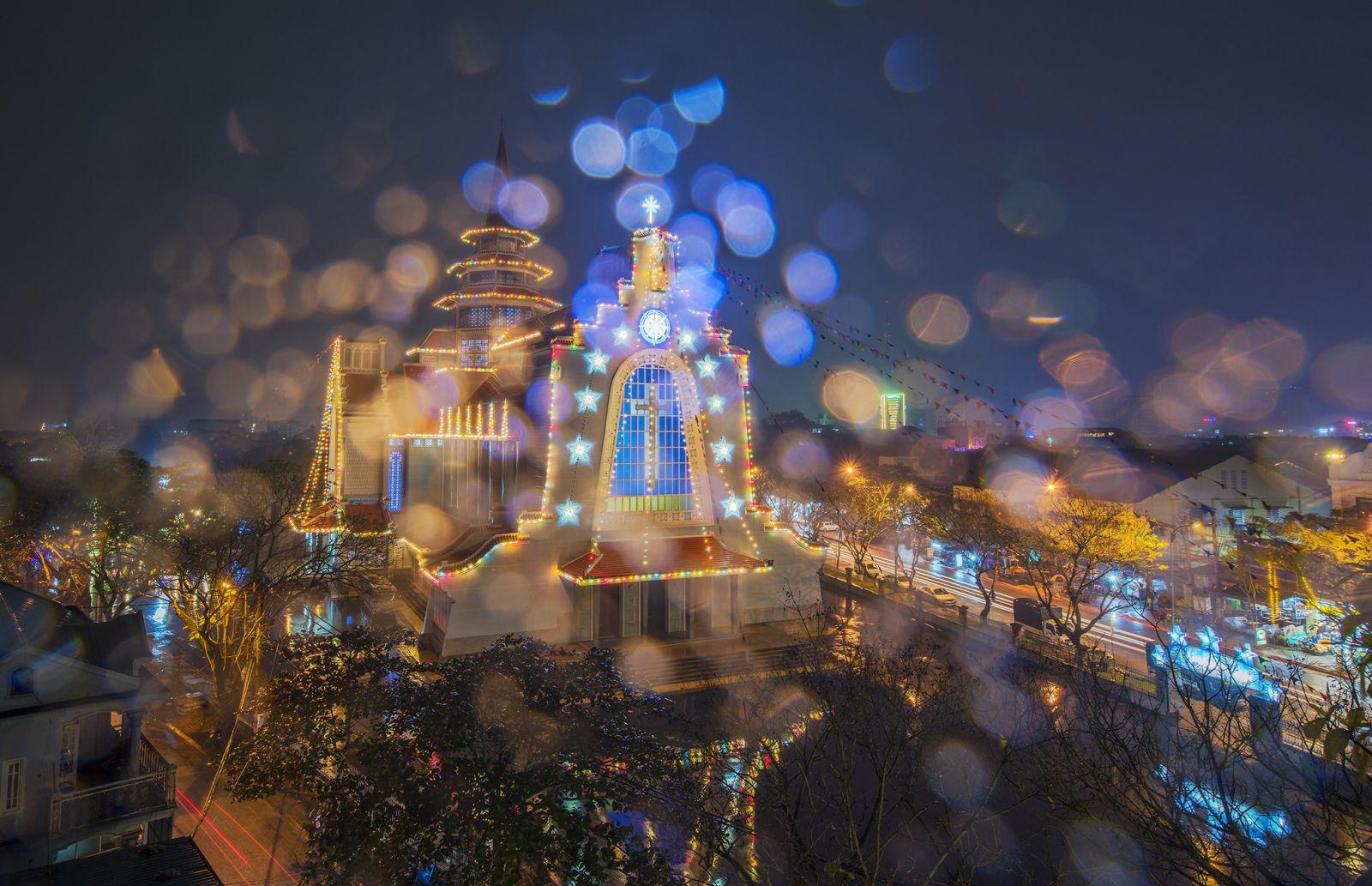 Xứ mộng mơ tuyệt đẹp dưới ống kính nhiếp ảnh gia Huế